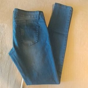 💦Cute VIP Supper stretchy jeans size 7/8 NWOT💦